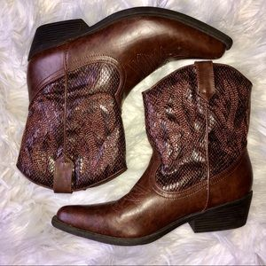 Brown COWBOY ANKLE BOOTS size 6.5 slip on